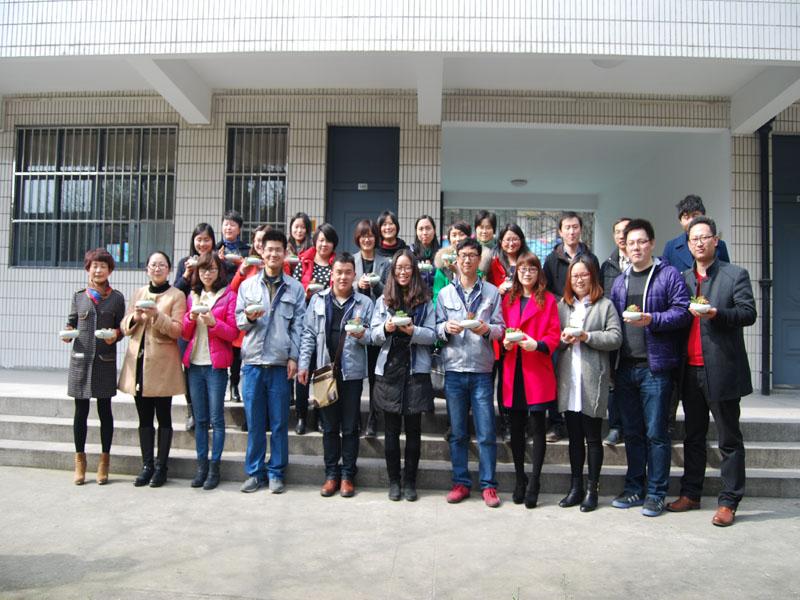 白鹤镇社区学校开展多肉植物diy活动